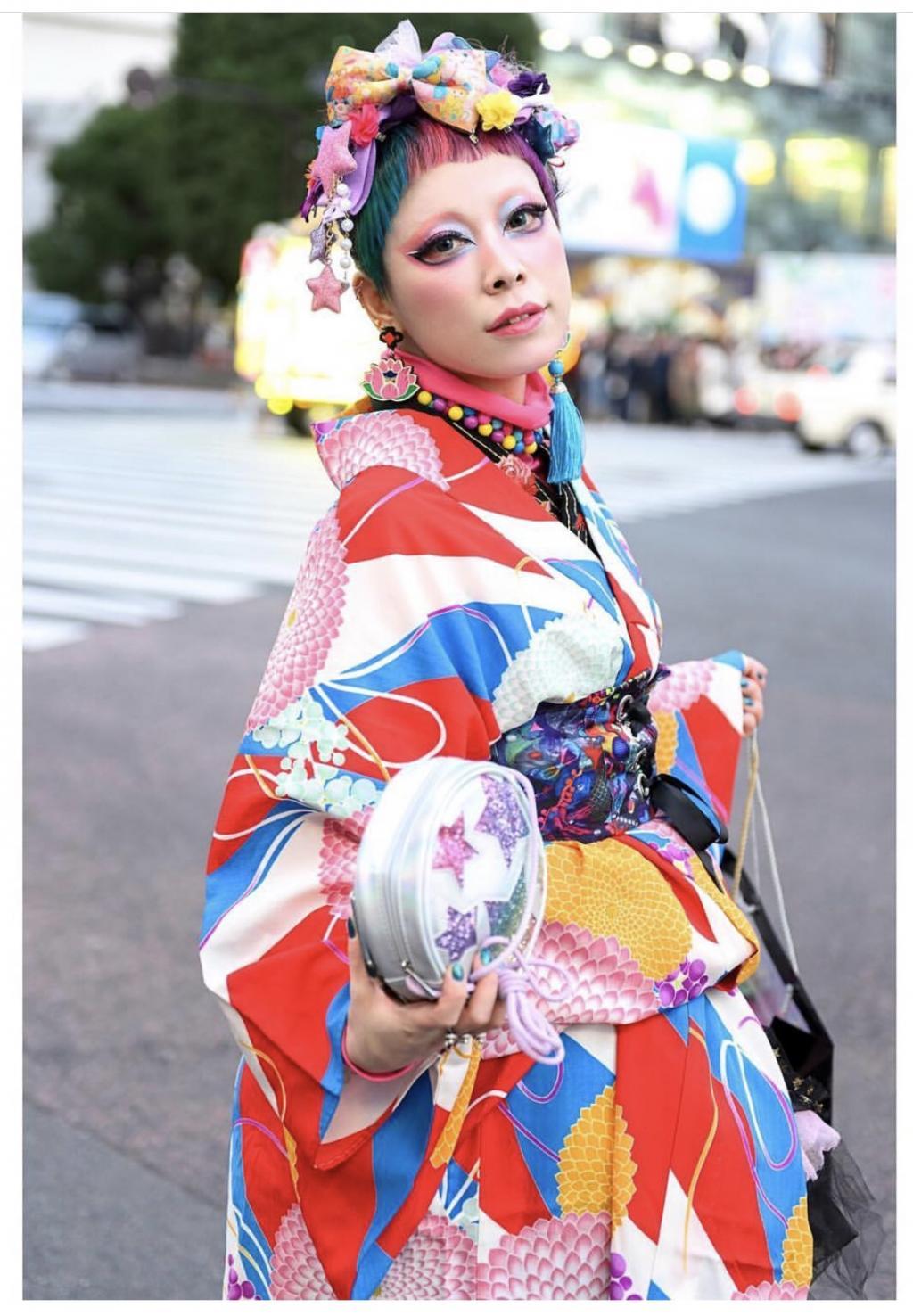 Phong cách Harajuku ngày nay: Bạn theo phe thích chơi đùa với màu sắc hay team 'quái - độc - dị'