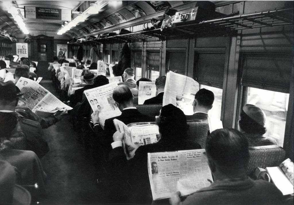 'Xuyên không' cùng những bức ảnh lịch sử quý hiếm chụp 'đúng người đúng thời điểm'