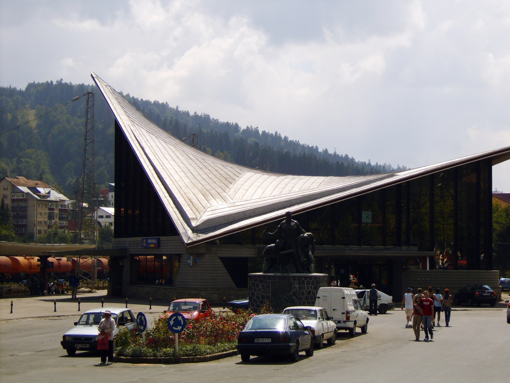 Những công trình kiến trúc như đang ở thì tương lai tại các nước Liên Xô cũ