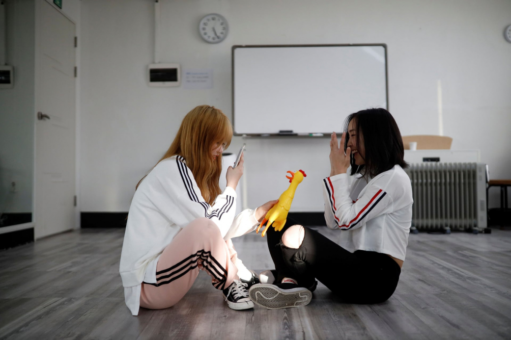 Khóa học làm idol Hàn của các thiếu nữ Nhật: Học phí 70 triệu/tháng, chế độ siêu khắc nghiệt
