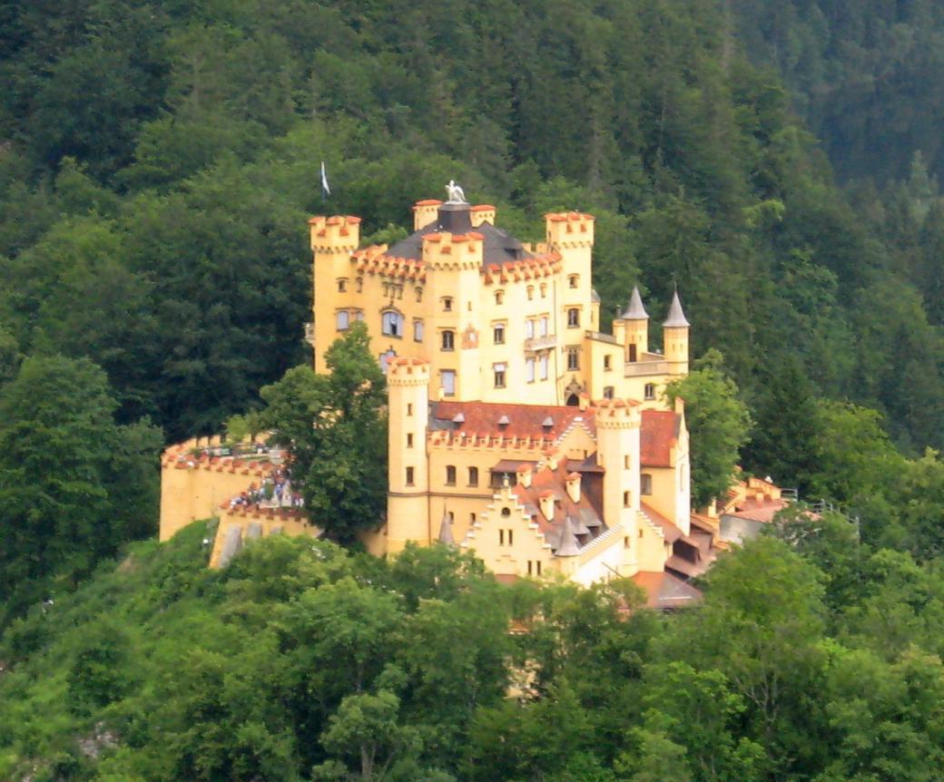 Sinh ra trong cổ tích mộng mơ, chết cô đơn trong thực tại tàn nhẫn - Số phận bi kịch của vị vua thích xây lâu đài nhất của Đức
