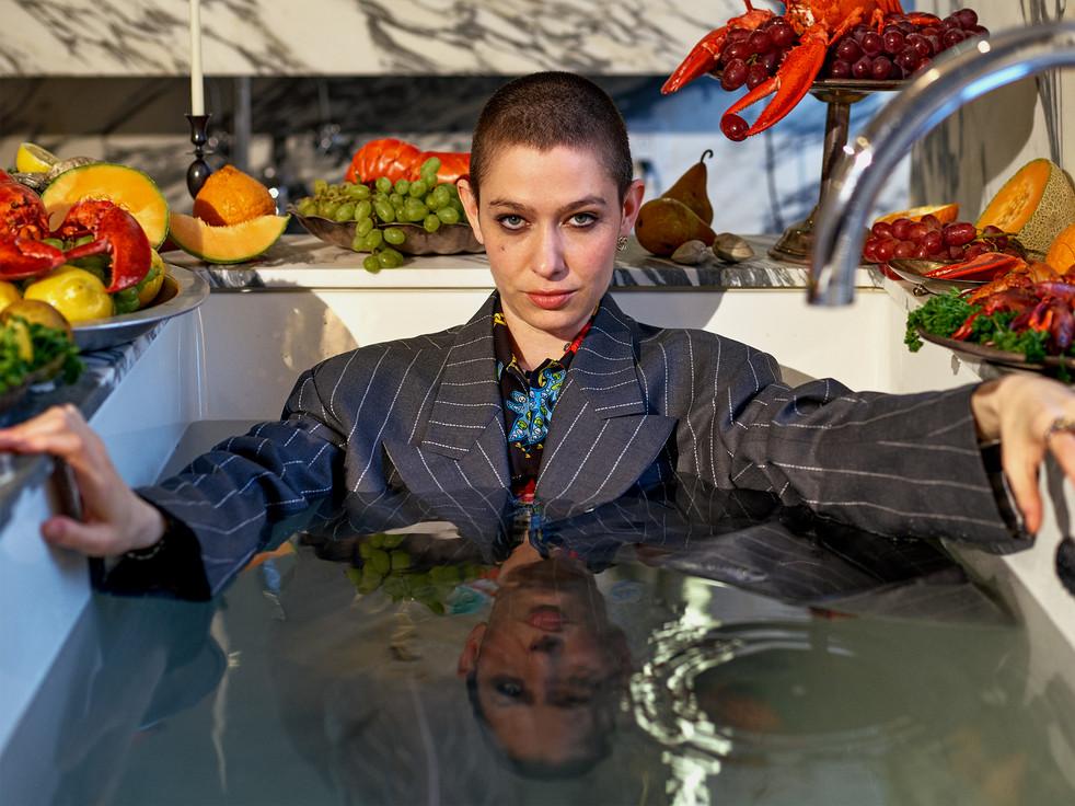 Asia Kate Dillon trong 'John Wick 3': Không phải nam, chẳng phải nữ, mà là 'họ'
