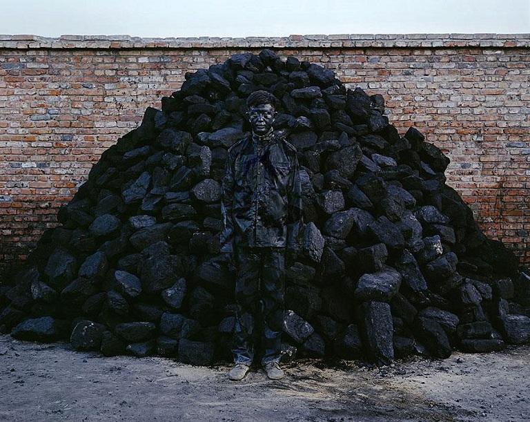 Bạn có thể tìm ra 'nghệ sĩ tàng hình' Liu Bolin trong những bức hình này?