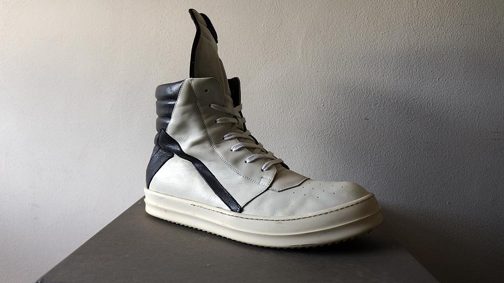 6 đôi giày huyền thoại khiến bao thế hệ đàn ông mê mẩn