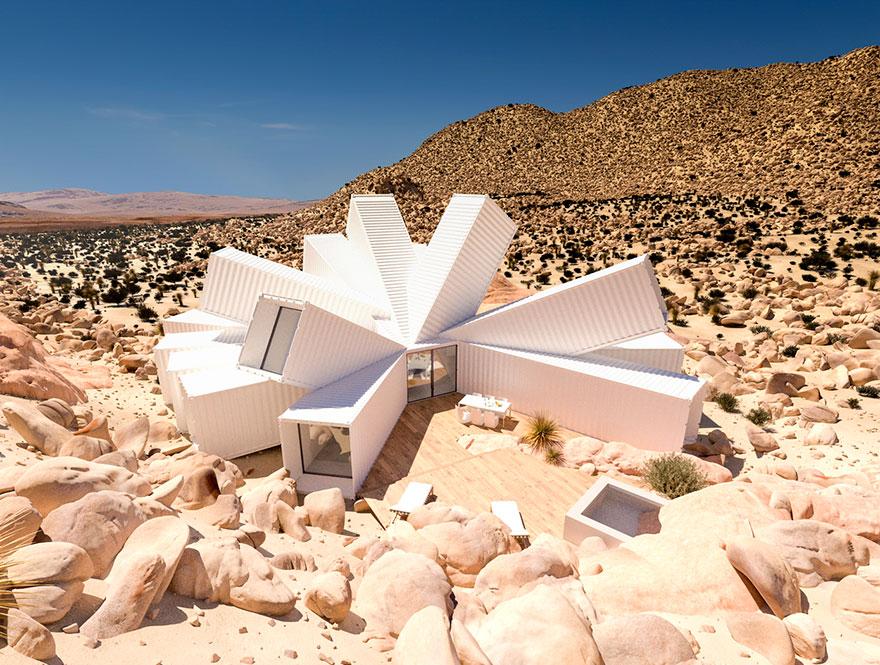 Khối nhà container hình bông hoa độc đáo giữa lòng sa mạc
