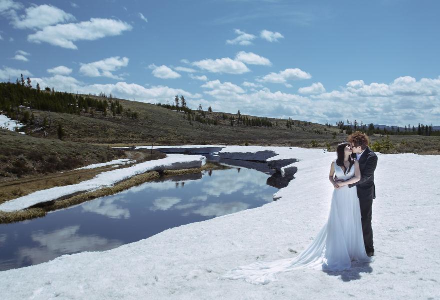 Cặp đôi chẳng cần ai chụp hộ vẫn có những thước ảnh cưới đẹp lung linh