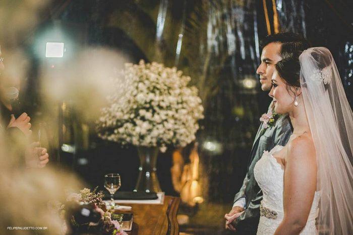 Không có thiệp mời, 'vị khách' đặc biệt này vẫn thản nhiên tới dự lễ cưới
