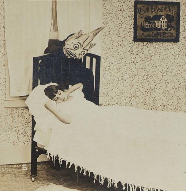 25 bức ảnh quá khứ được bình chọn là 'creepy' nhất