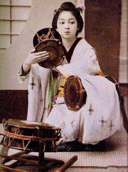 Trước thời phẫu thuật thẩm mỹ, phụ nữ Hàn đã làm đẹp tự nhiên như thế nào?