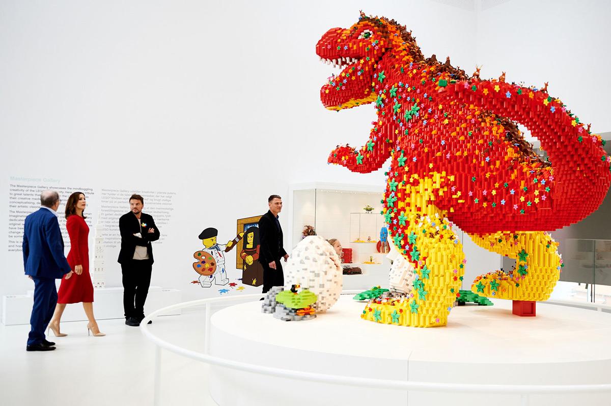 Đắm chìm trong muôn màu mảnh ghép tại Ngôi nhà LEGO khổng lồ