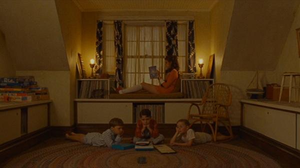 Moonrise Kingdom - Vương quốc trăng lên của hai đứa trẻ trốn nhà