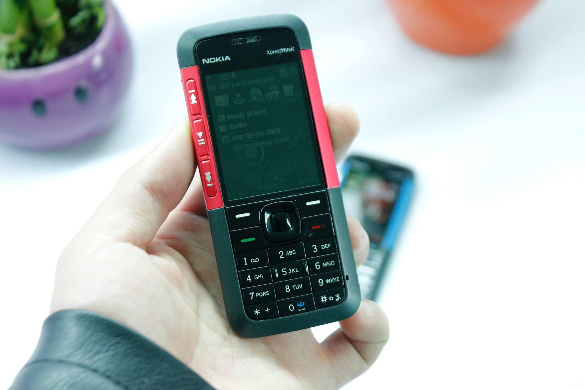 Tạm quên iPhone X, hãy nhớ về một tuổi thơ với 'cục gạch' Nokia
