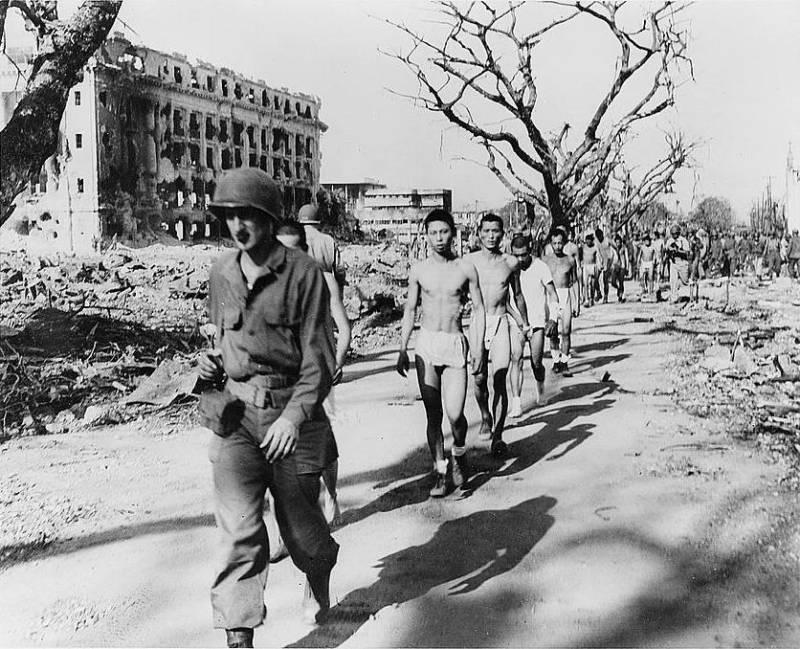 30 bức ảnh bi thương về những tù nhân chiến tranh bị lịch sử lãng quên