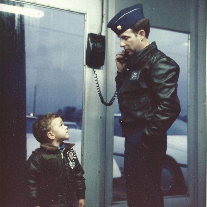 Khoảnh khắc bạn nhận ra bố mẹ ngày trẻ còn 'cool' hơn cả mình