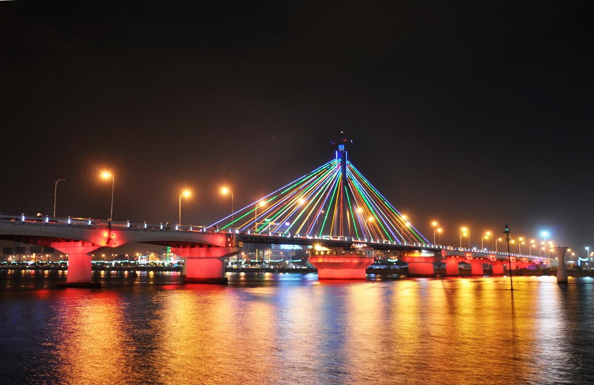 Gặp gỡ các 'anh em họ hàng' của cầu sông Hàn (Đà Nẵng)