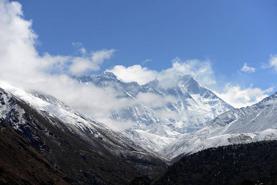 Rùng rợn và bi thương những mốc chỉ đường bằng... xác người trên Everest