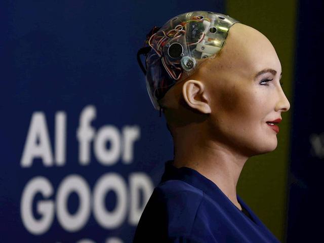 Gặp gỡ Sophia - Robot đầu tiên trên thế giới được cấp quyền công dân