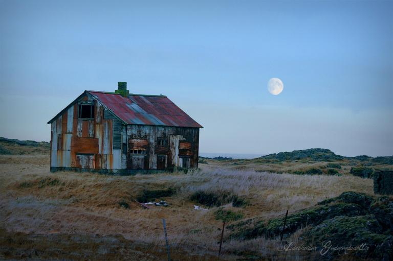 'Vẻ đẹp' của những ngôi nhà hoang - địa điểm lý tưởng cho phim kinh dị