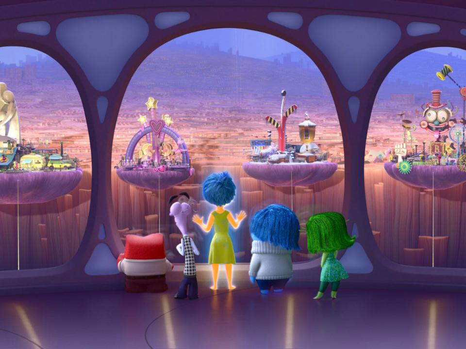 Pixar Pier - Công cụ 'móc túi' khách thăm quan mới của Disneyland