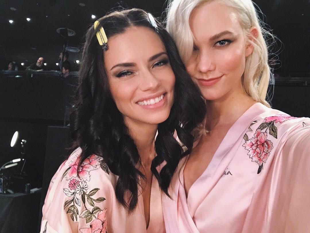 Ngắm những 'kiệt tác tạo hoá' trong hậu trường show nội y Victoria's Secret 2017