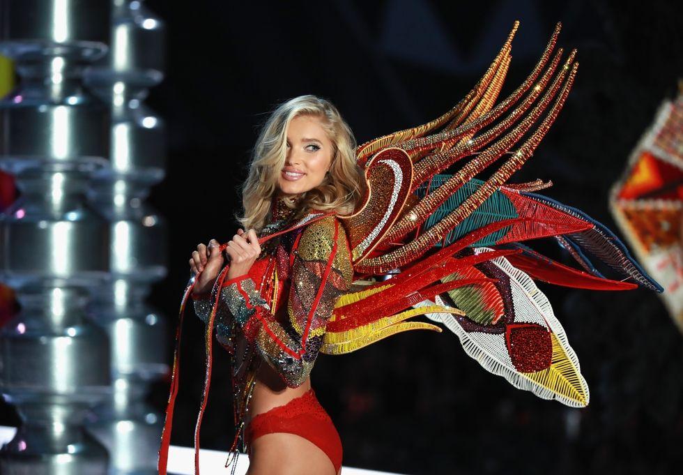 Những đôi cánh thiên thần ấn tượng nhất Victoria's Secret 2017