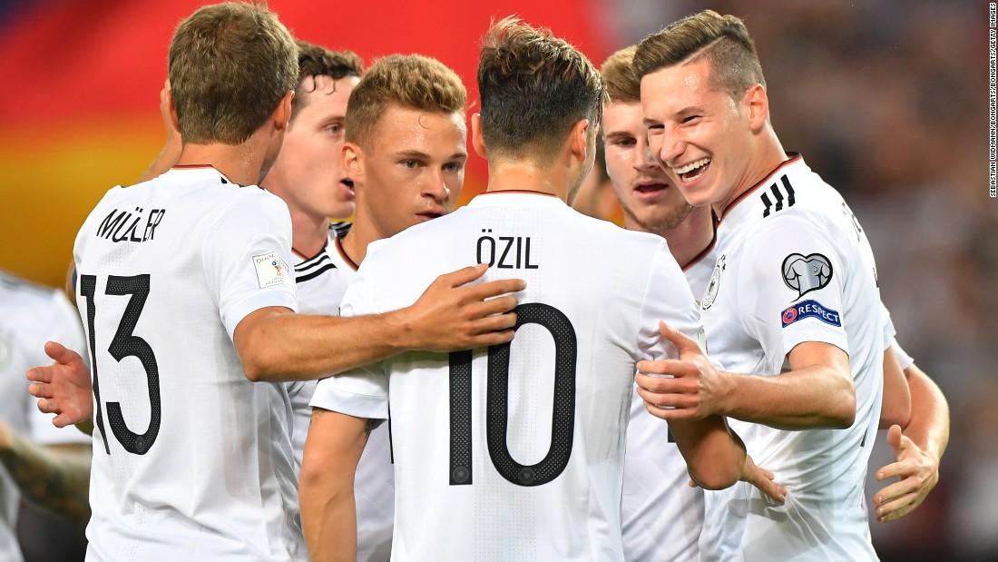 Cùng xem danh sách 32 đội bóng tại World Cup 2018 để 'lập kèo' nào!