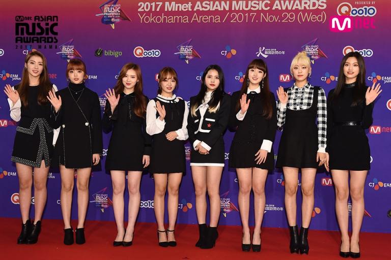 Sân khấu kết hợp 'thảm hoạ' giữa K-Pop và J-Pop