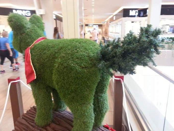 Giáng Sinh không còn lung linh với những ý tưởng trang trí 'thảm hoạ' này
