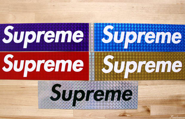 Supreme: 'Dùng cả thanh xuân' chinh phục các tín đồ thời trang đường phố