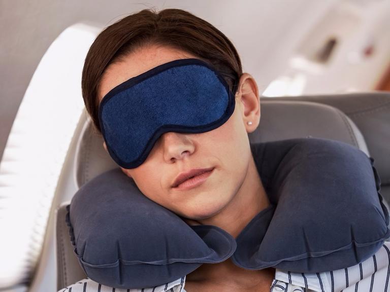 Làm thế nào giết thời gian trên máy bay?