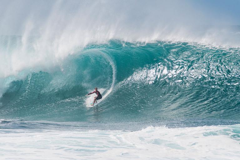 Nếu may mắn được đến Hawaii thì đừng chỉ tắm biển và uống nước dừa