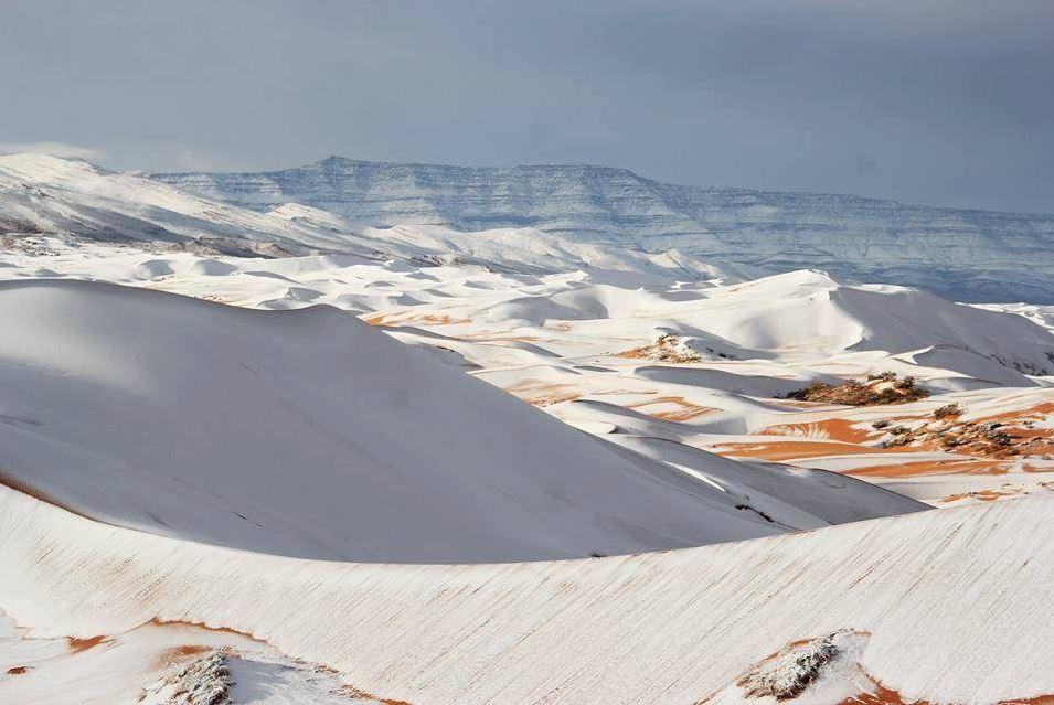 Chuyện không thể tin: Sa mạc Sahara tiếp tục có... tuyết rơi