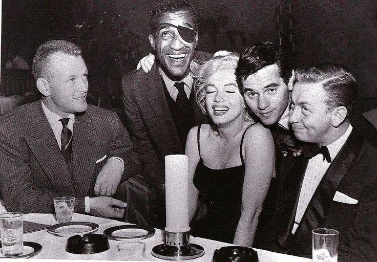 Marilyn Monroe và những sự thật đáng kinh ngạc đằng sau nhan sắc kiều diễm