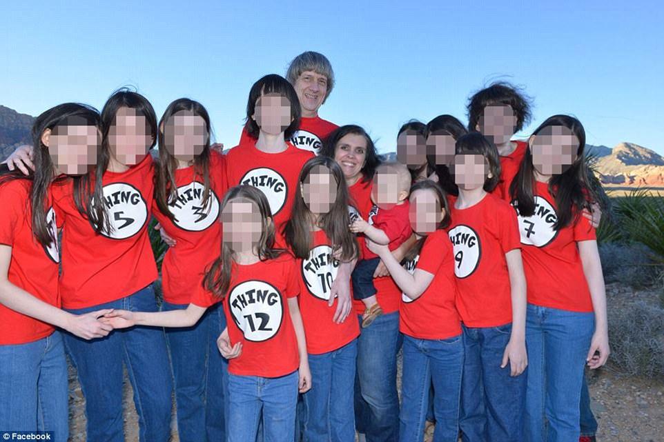 Chuyện thật như phim kinh dị: 13 đứa trẻ bị bố mẹ ruột giam giữ và bỏ đói nhiều năm