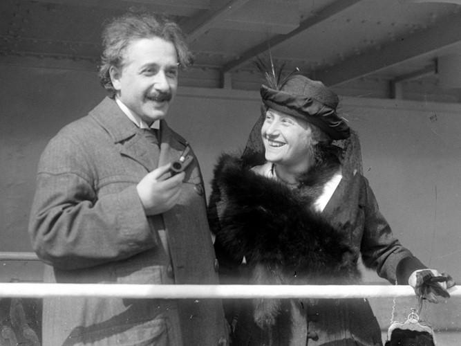 Albert Einstein và những câu chuyện chưa kể