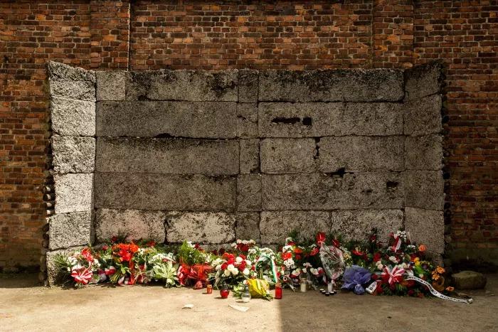 Holocaust - Cuộc đại diệt và 15 tấm hình ám ảnh người xem