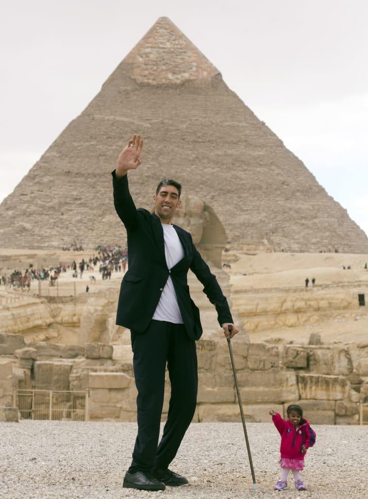 Kẻ cao nhất hội ngộ người lùn nhất tại nơi huyền bí nhất thế giới