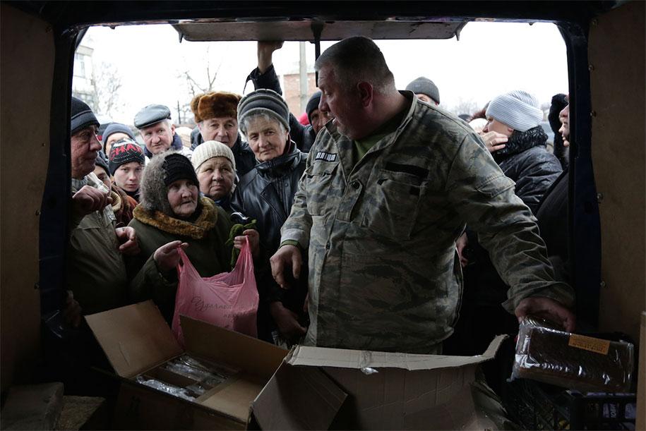 Những khoảnh khắc đau thương của chiến tranh ở Ukraine