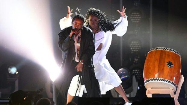 Grammy 2018 và những khoảnh khắc không thể thấy trên tivi