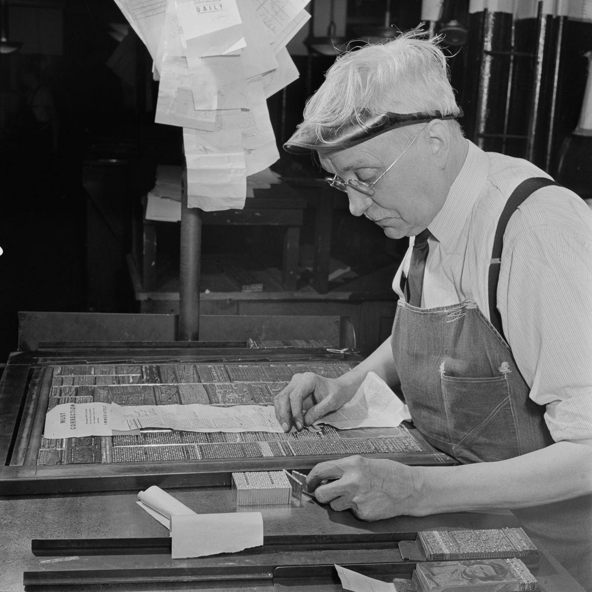 Cận cảnh quá trình xuất bản báo in thủ công vào thời điểm hoàng kim