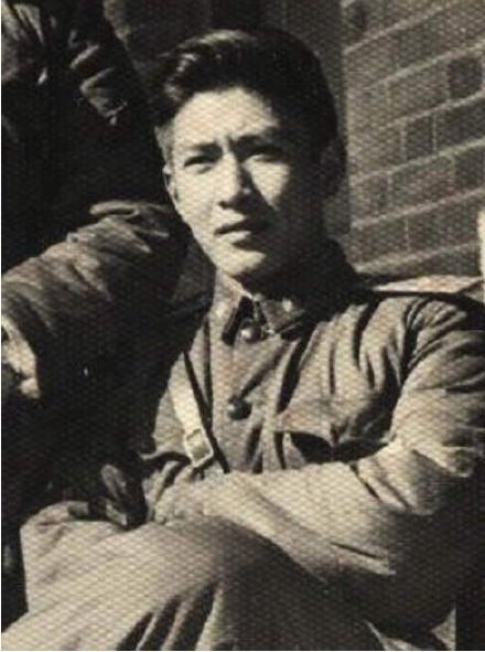 Dân mạng Trung Quốc tự hào khoe ảnh, đọ nhan sắc... bố mẹ, ông bà
