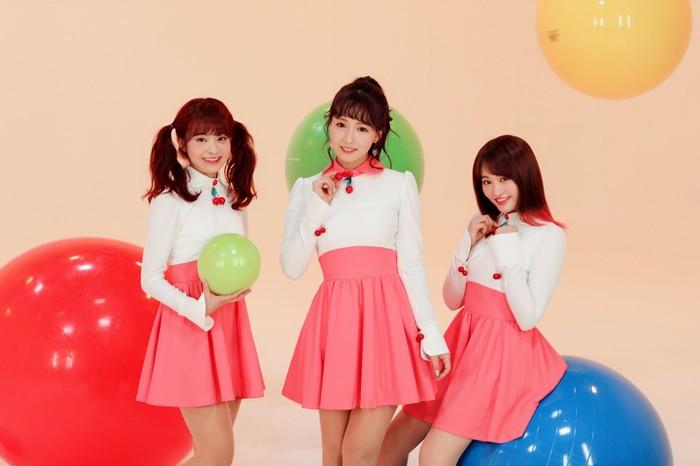 Nhóm nhạc K-Pop mới toàn diễn viên phim 'người lớn' khiến anh em 'đứng ngồi không yên'