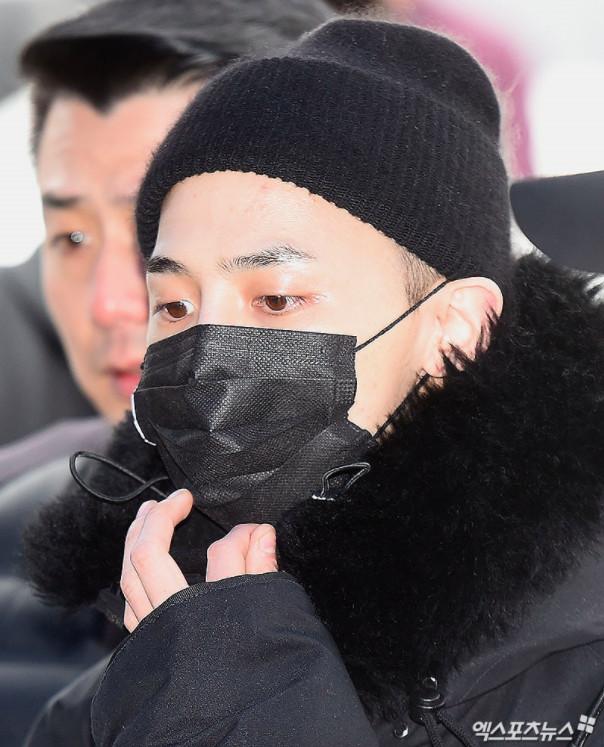 'Nỗi khổ' của 'ông hoàng K-Pop' G-Dragon: Muốn nhập ngũ âm thầm lặng lẽ cũng không được
