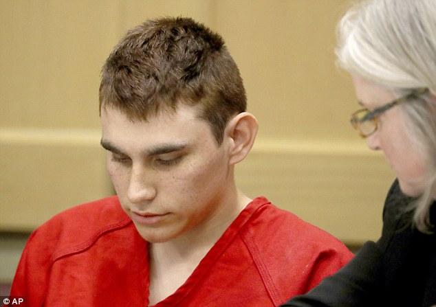 Phát hiện bất ngờ khi phân tích chữ ký của hung thủ xả súng giết chết 17 người ở Florida