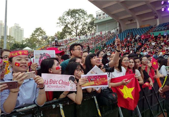 U23 Việt Nam sau 1 tháng nổi tiếng: Làm cầu thủ hay làm thần tượng đây?