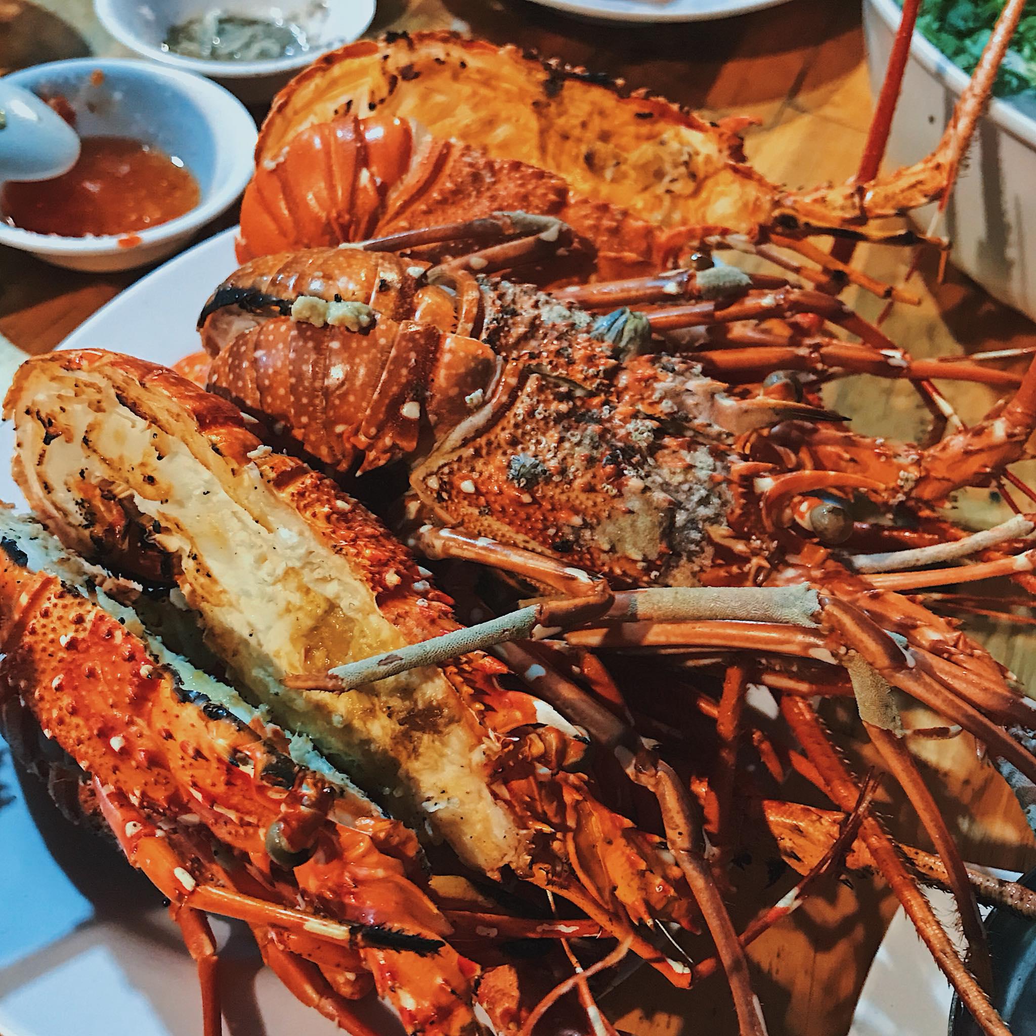 Ăn Tết xong ai cũng béo tròn, đi biển để giảm cân và đón hè thôi nhỉ?