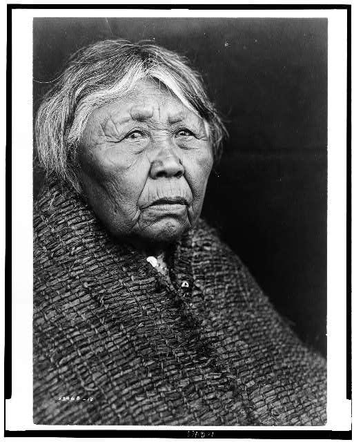 Mỗi bức ảnh chân dung là một câu chuyện kể về nền văn hóa độc đáo của thổ dân da đỏ