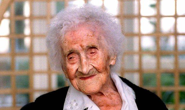 Bí quyết sống tới 122 tuổi của cụ già này chính là 'ăn chơi tới bến', không cần kiêng khem