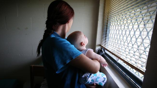 Cuộc sống của những đứa trẻ lớn lên cùng mẹ trong nhà tù như thế nào? (Kỳ 1)