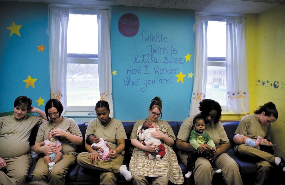 Cuộc sống của những đứa trẻ lớn lên cùng mẹ trong nhà tù như thế nào? (Kỳ cuối)